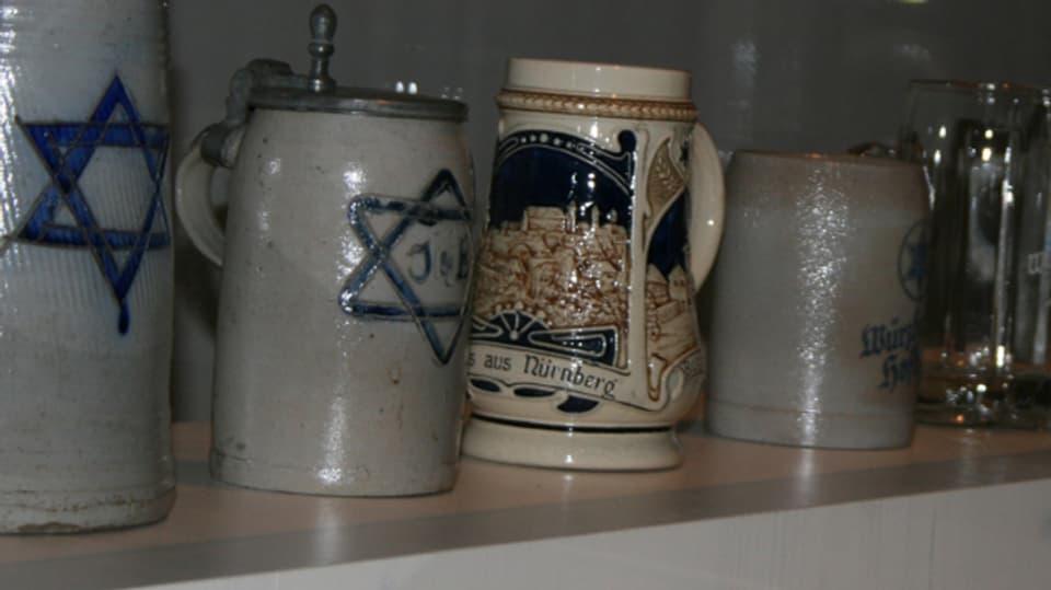 Buccaluns da biera cun la staila dals bierers (che sumeglia a la staila da David).