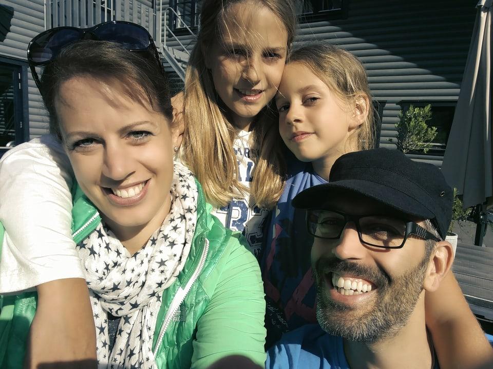 Daniela und Patrik Spiess mit ihren Kindern
