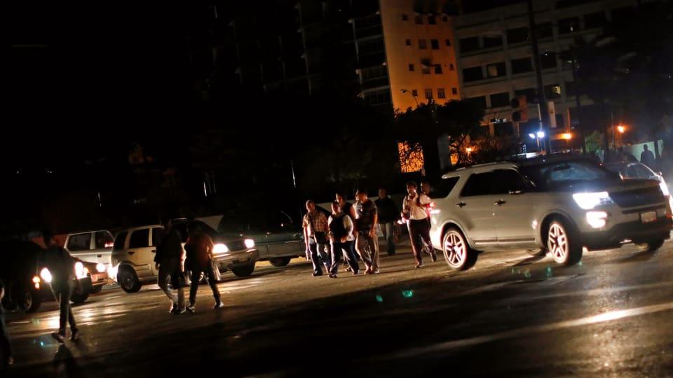 Mega-Stromausfall in Venezuela – Caracas nach Blackout im Dunkeln