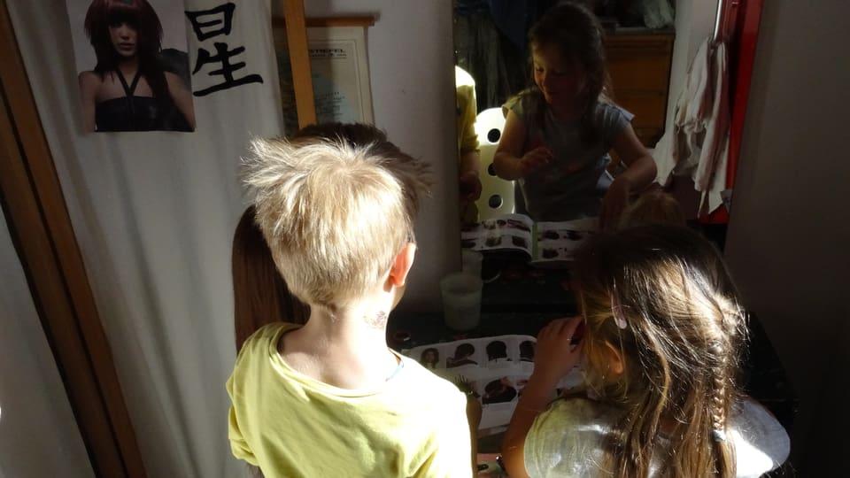 In mat ed ina matta giogan a coiffeur.