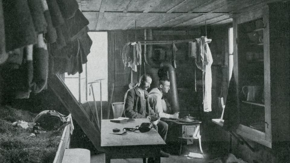 Zwei Männer in der Gaulihütte