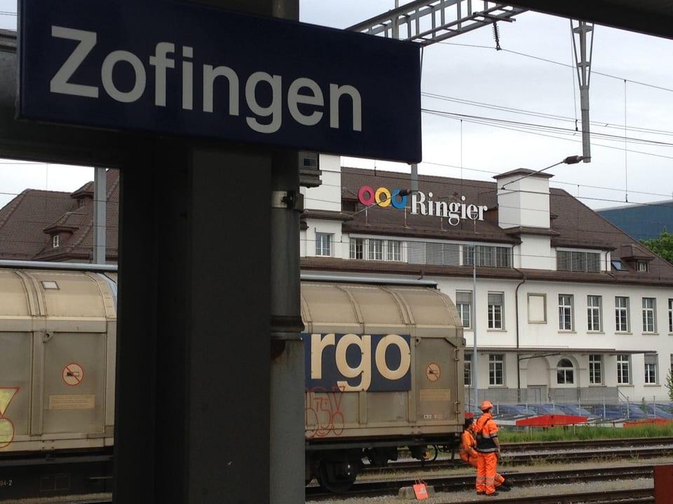 Direkt hinter dem Bahnhof ist die Gewerbe-und Industriezone - Zofingen hat eine Druckereitradition.