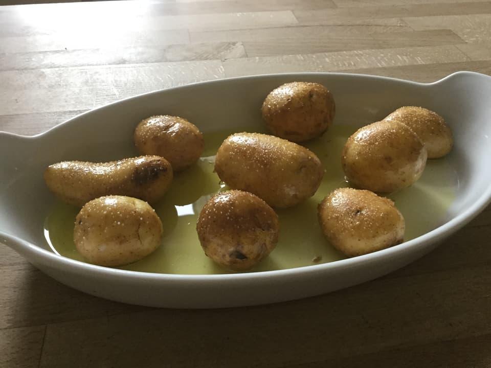 Kartoffeln in der Gratinform.