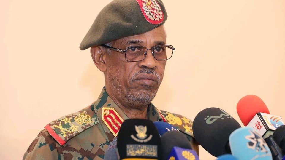 Am Tag nach dem Putsch – Chef des sudanesischen Militärrats tritt zurück