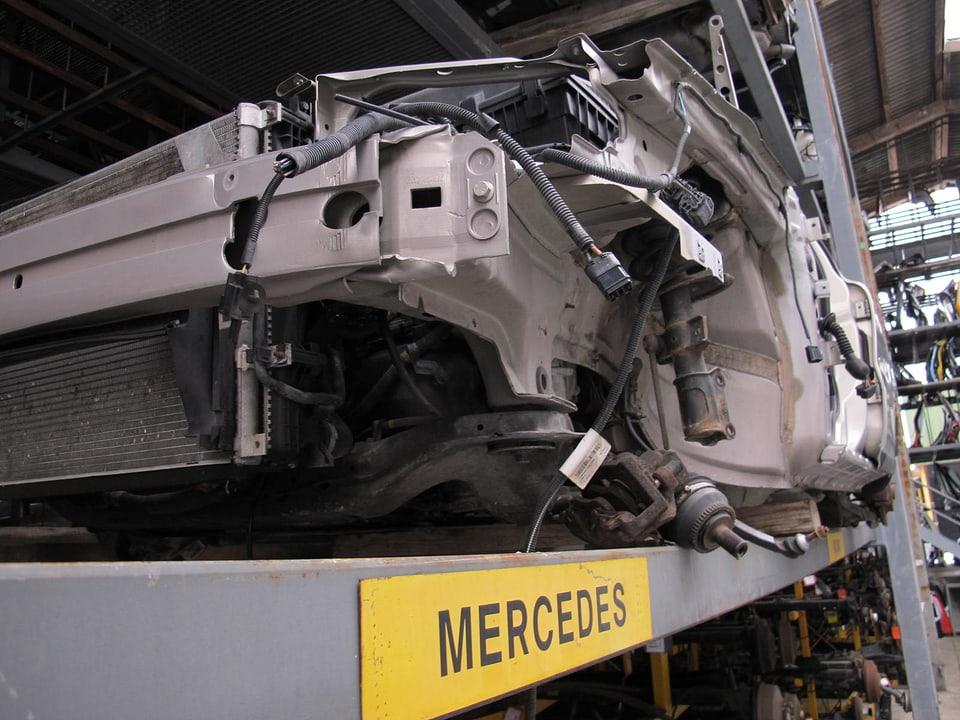 Ein ausgeweideter Mercedes.