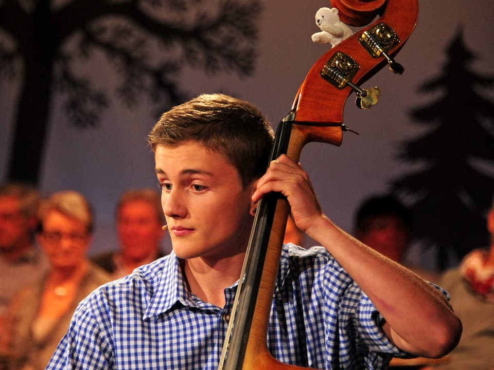 Am Bass Jérôme Kuhn.