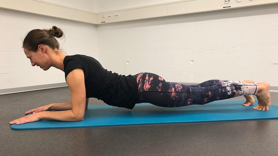 Plank: Fehler durchhängender Körper