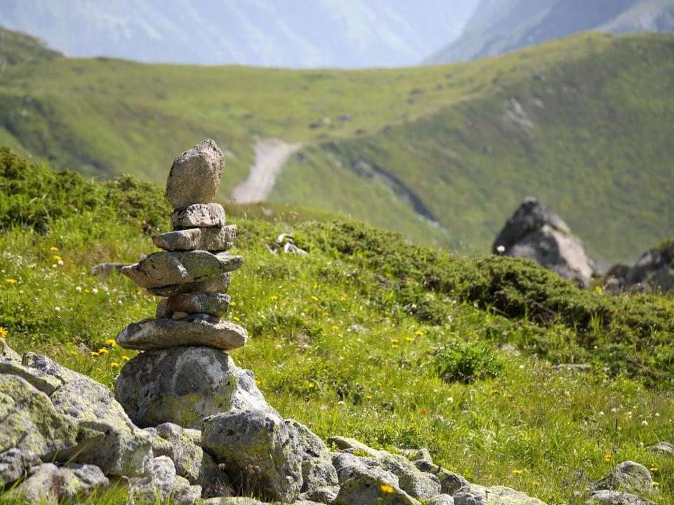 Ein Steinmanndli auf dem Weg Richtung Jenatsch-Hütte.