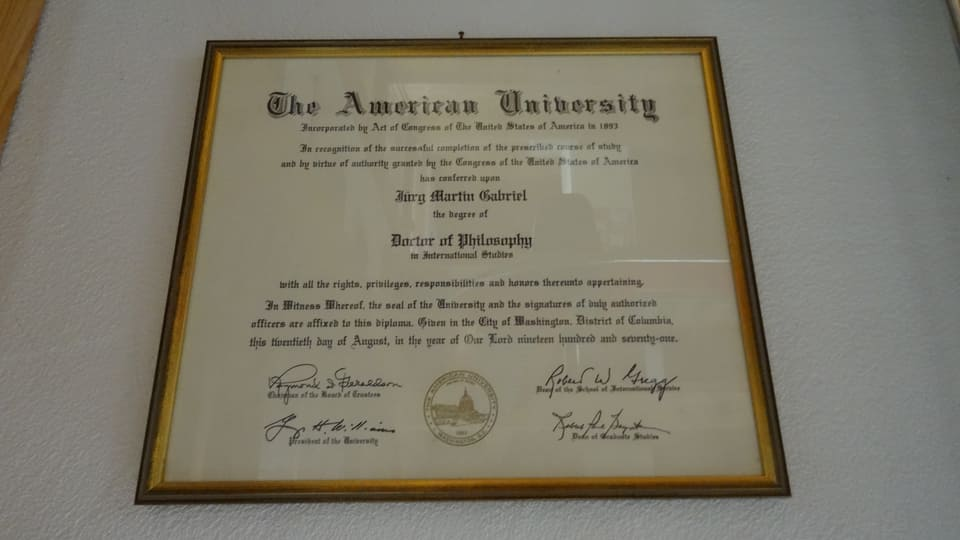 Il document uffizial da sia dissertaziun