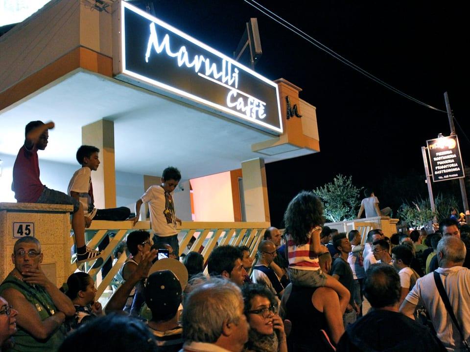Das ganze Dorf ist auf den Beinen wenn Rankin Lele zum «Casalabate Music Festival» ruft.