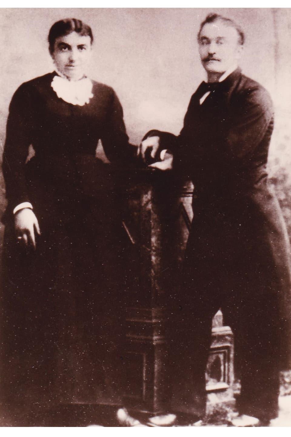 Purtret da Marie Thérèse Louise e Jean Placide Cadruvi-Tirant.