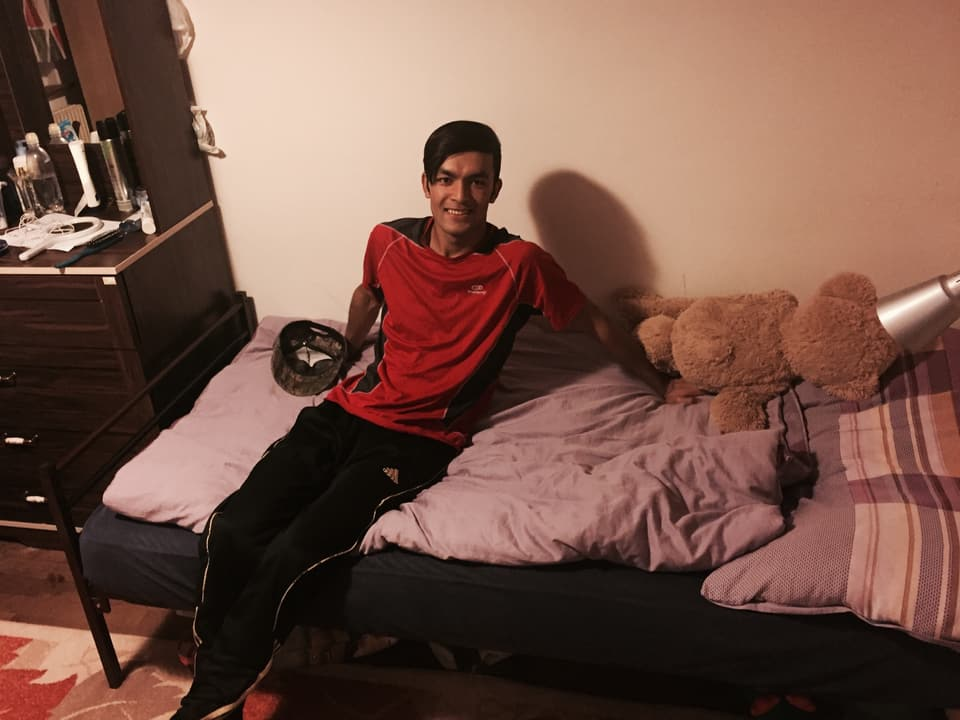 Jawad in seinem Zimmer