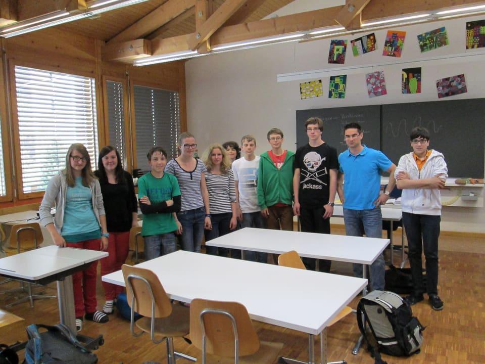 Sekundarschulklasse Disentis mit Lehrer Adrian Pally