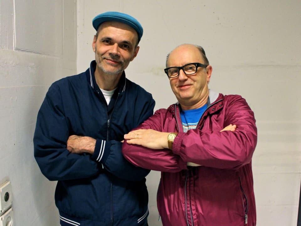Der Gastgeber mit dem Star; Buzz vom Zürcher Reggae DJ-Kollektiv Boss Hi-Fi zusammen mit David Rodigan kurz vor ihrem Gig im Stall 6.