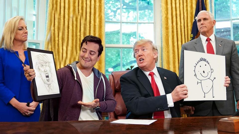 Gefälschtes Bild: Jonas Bayona sitzt neben US-Präsident Donald Trump, beide vergleichen Zeichnungen, die sie gemacht haben.