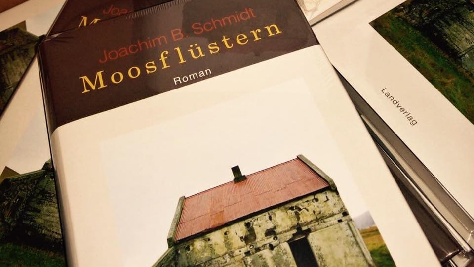 Cover dal cudesch «Moosflüstern» da Joachim B. Schmidt.