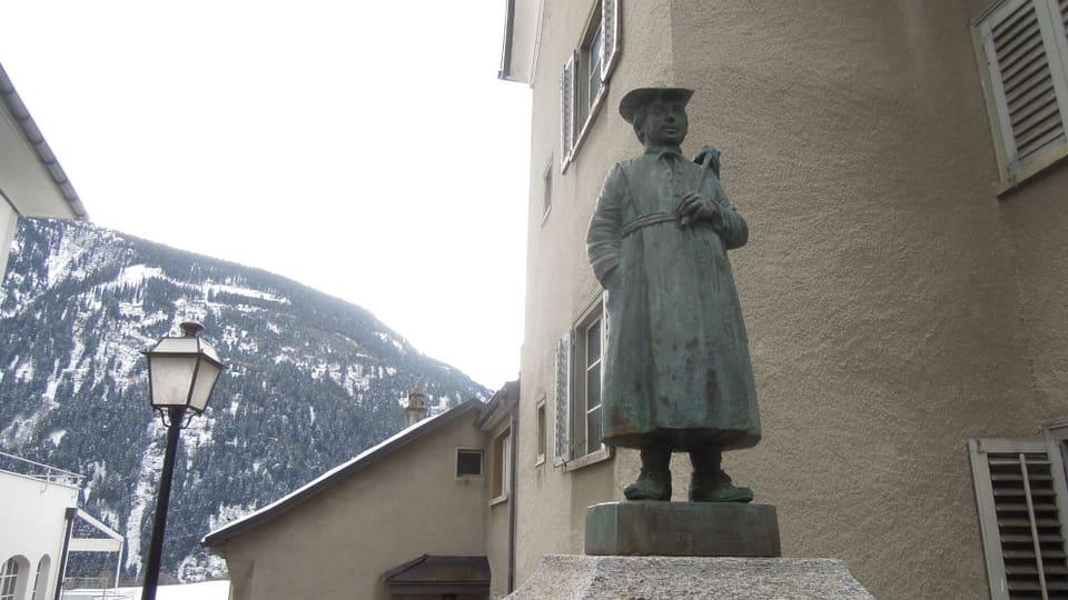 Statua da pader Placi a Spescha a Mustér