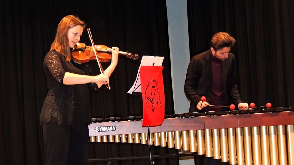 flurina sarott a la violina e Janic Sarott al vibrafon