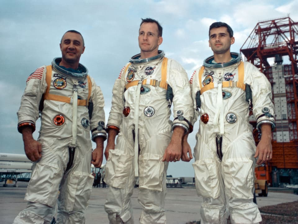 1967 – ils astronauts da la missiun Apollo 1 moran durant in incendi.