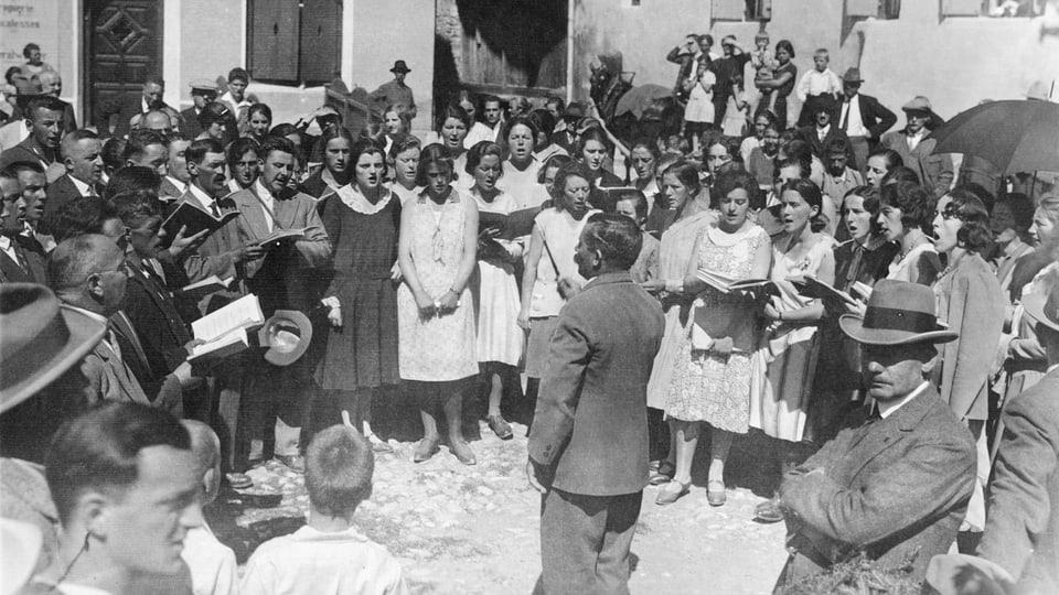 1930 a Scuol, dirigent: Cla Sarott.