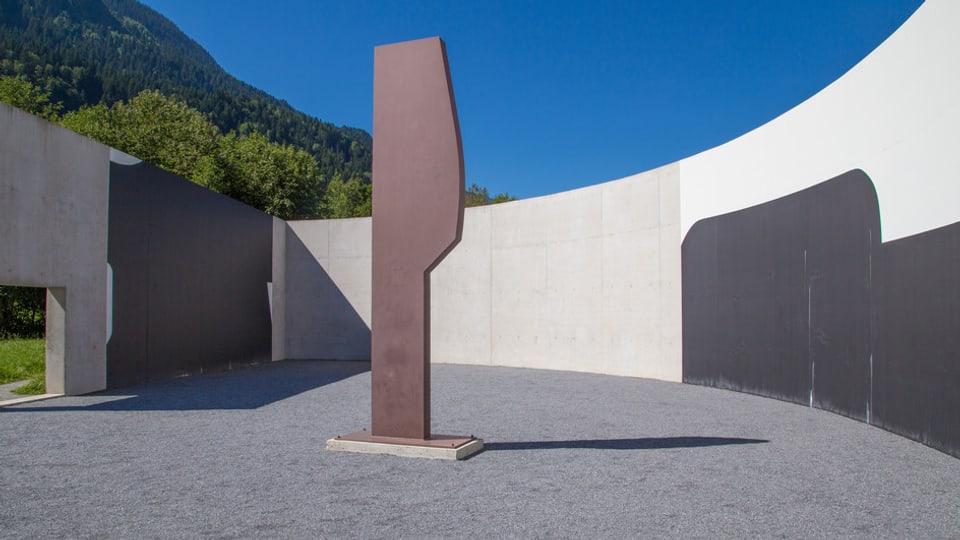 La sculptura da Spescha sto restar en emprima lingia sculptura.