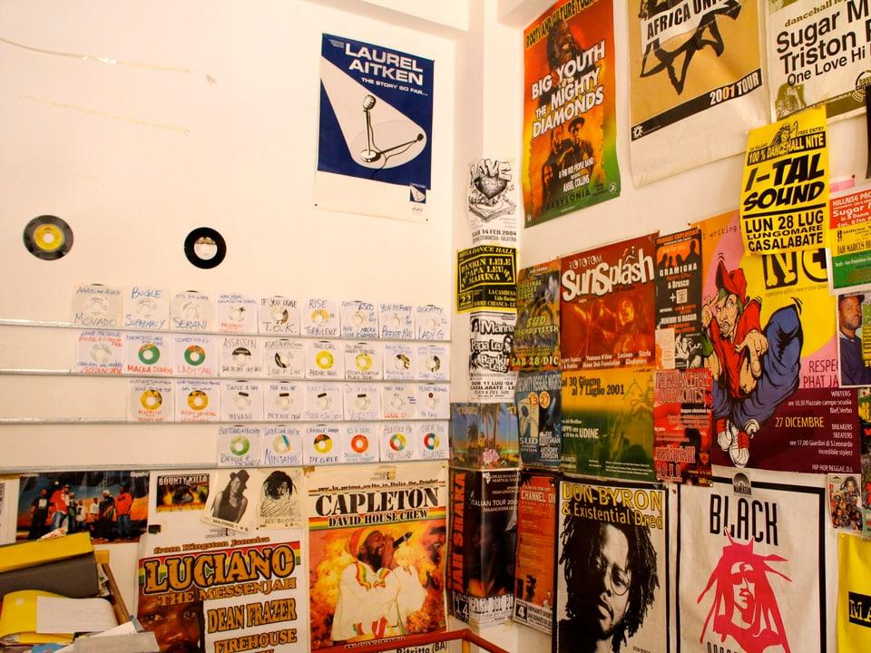 Die letzten Direktimporte aus Jamaika kamen vor 3 Jahren im Laden an. Mittlerweile wird kaum noch Vinyl produziert in Jamaika.