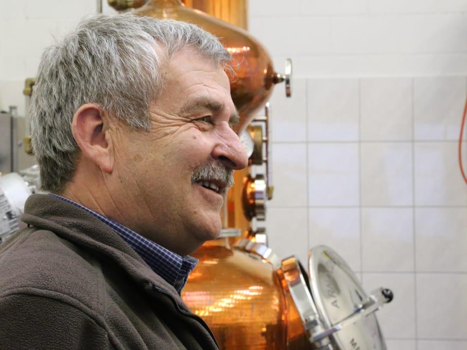 Robert Cathomas declara co sia destillaria funcziuna