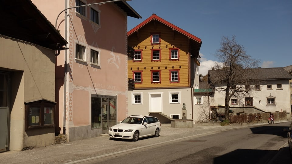En l'anteriura stizun Silvia Sport duai dar ina filiala da Volg.