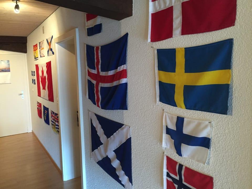 Verschiedene Flaggen.