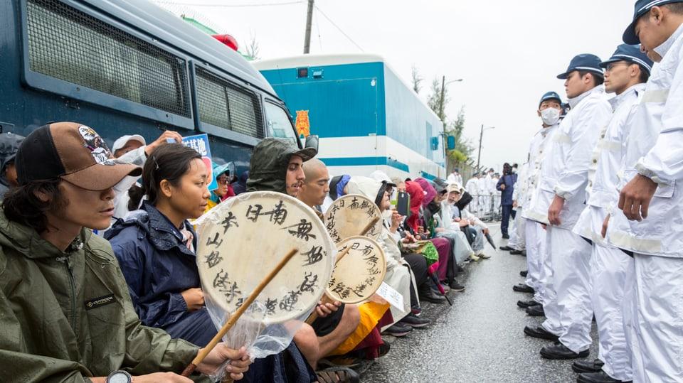 Protest gegen den Ausbau einer US-Militärbasis auf Okinawa