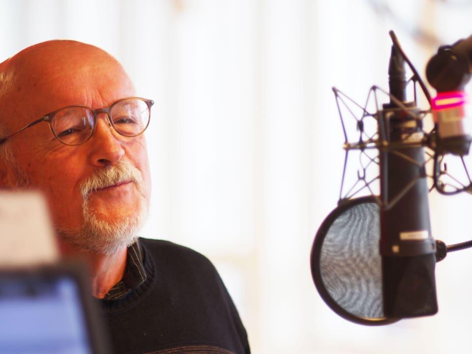 Rolf Geiser im Studio.