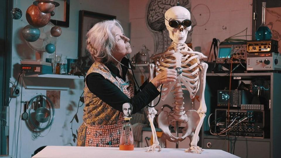 Die experimentierfreudige Margot bei der Arbeit.