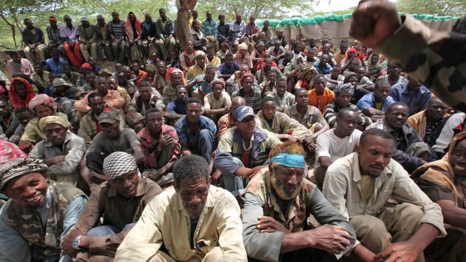 Gefangene Al-Shabab-Kämpfer in Mogadischu (Archivbild)