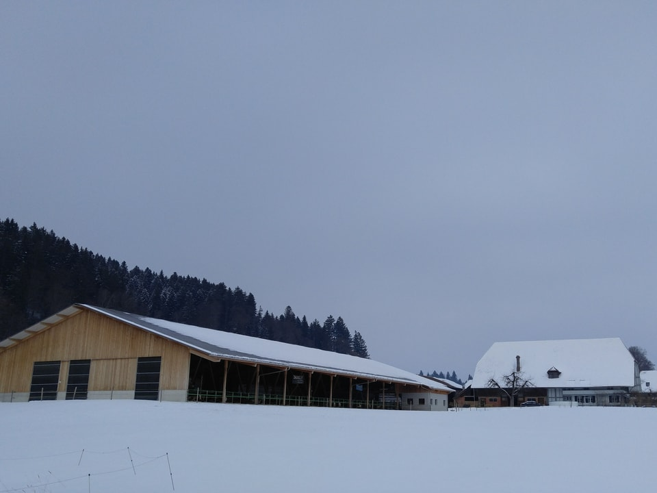 Der neue Stall von Jürg Oberli bei Sumiswald im Emmental.