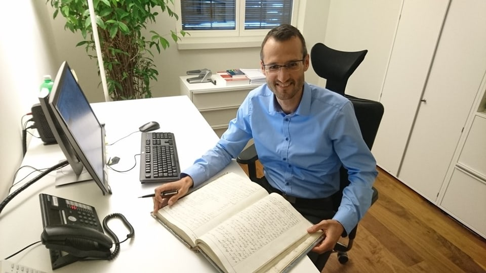 David Huonder cun in cudesch funsil dal 19avel tschentaner. Ozendi è il register digital.