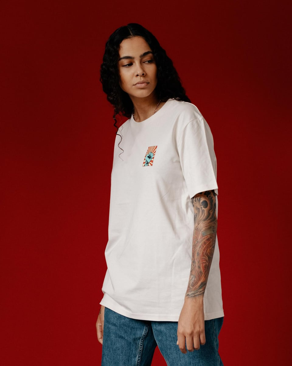 Naomi Lareine im Against-Racisms-Shirt