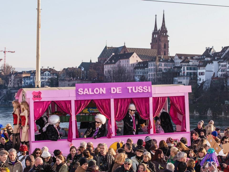 Die «Alti Glaibasler» als Salon de Tussi.