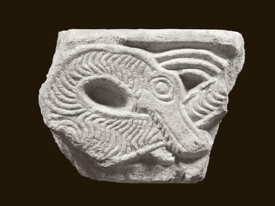 Sculptura d'in drag ord la claustra da Müstair, marmel da Laas, enturn 775/790.