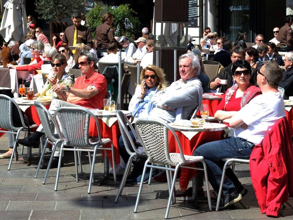 Piazza-Café.