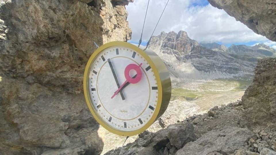 Al Pass dal Güglia va il temp magari auter – l'ura gigantica da dus artists tudestgs