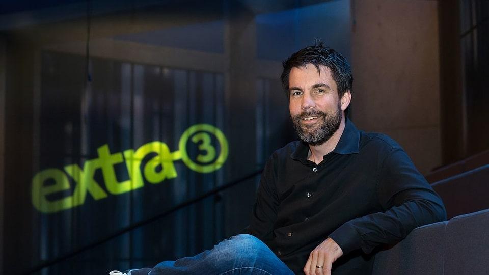 Andreas Lange, Redaktionsleiter EXTRA 3 (NDR/ARD): «Das Ziel bei Extra 3 ist die lachende Erkenntnis: Die Zuschauer sollen bei unserer Satire lachen und dabei Zusammenhänge verstehen.»