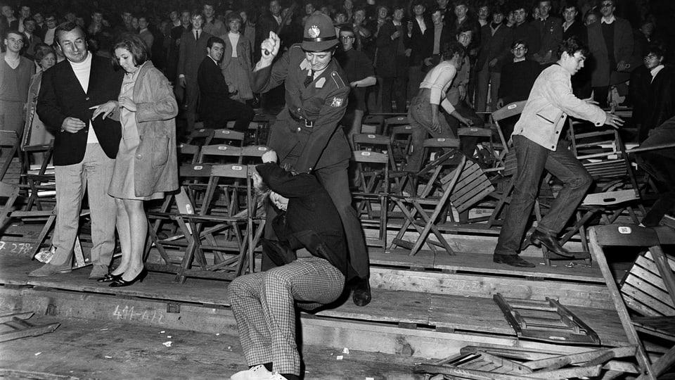 L'avrigl 1967 suenter in concert dals Rolling Stones datti cravals a Turitg.