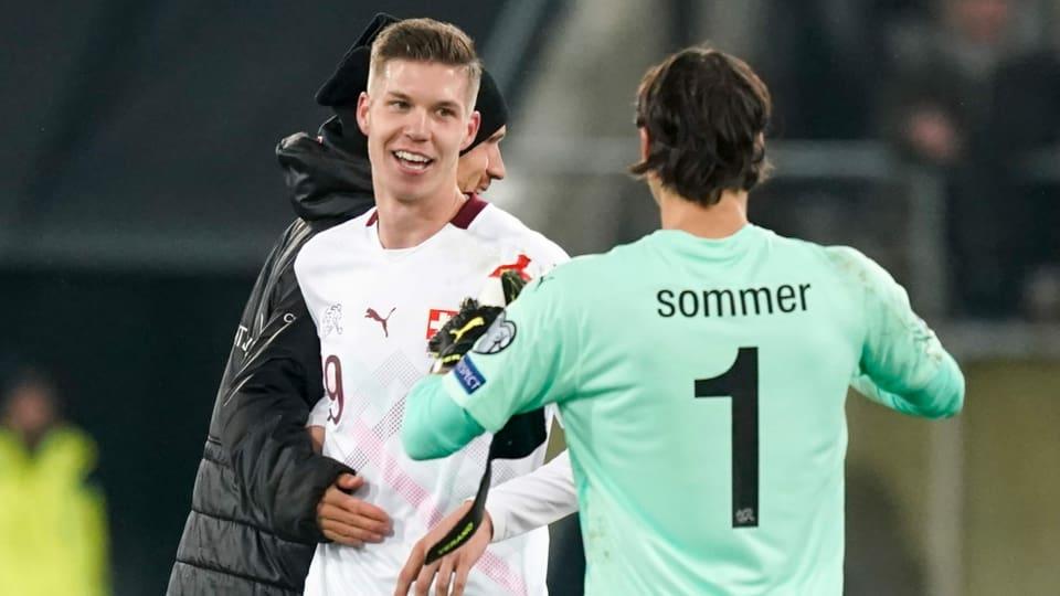 Auflosung Nati Rating Siegtorschutze Itten Und Keeper Sommer Schwingen Obenaus Sport Srf