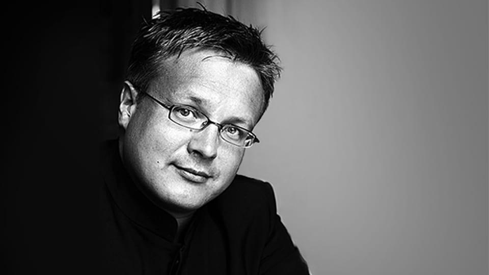 Philippe Bach è il nov schefdirigent da la Filarmonia da Chombra dal Grischun