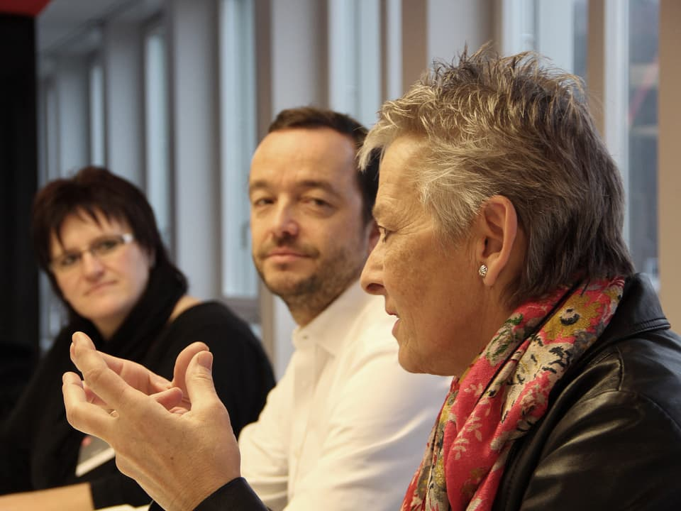Theres Arnet-Vanoni am Jury-Tisch.