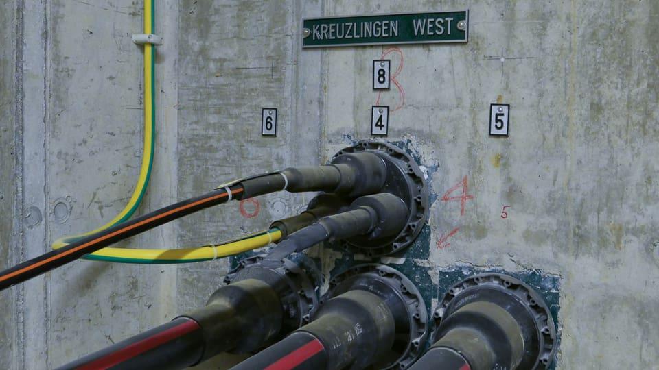 Hier landet ein Glasfaserkabel der Stadtwerke Konstanz, an dem auch das Seekabel angeschlossen ist.