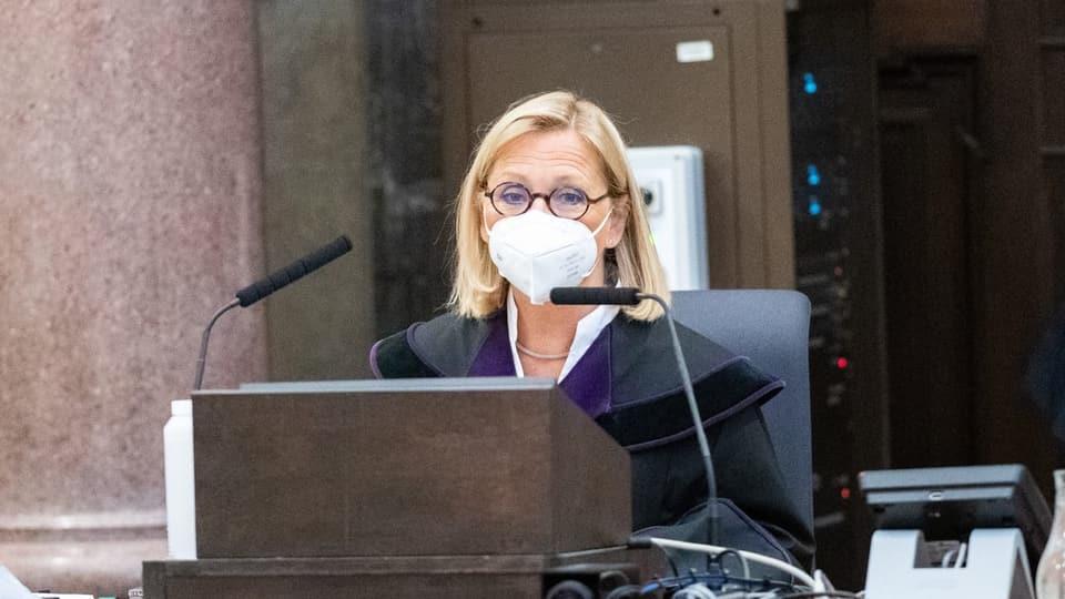 Richterin Claudia Moravec-Loidolt vor Prozessbeginn in Wien.