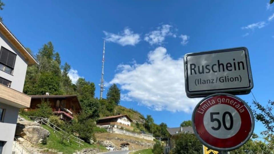 Opposiziun cunter antenna 5G a Ruschein