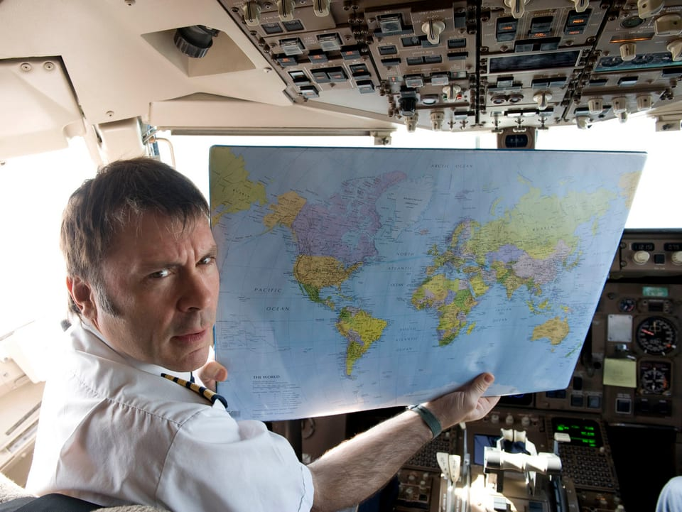 Bruce Dickinson im Flugzeug.