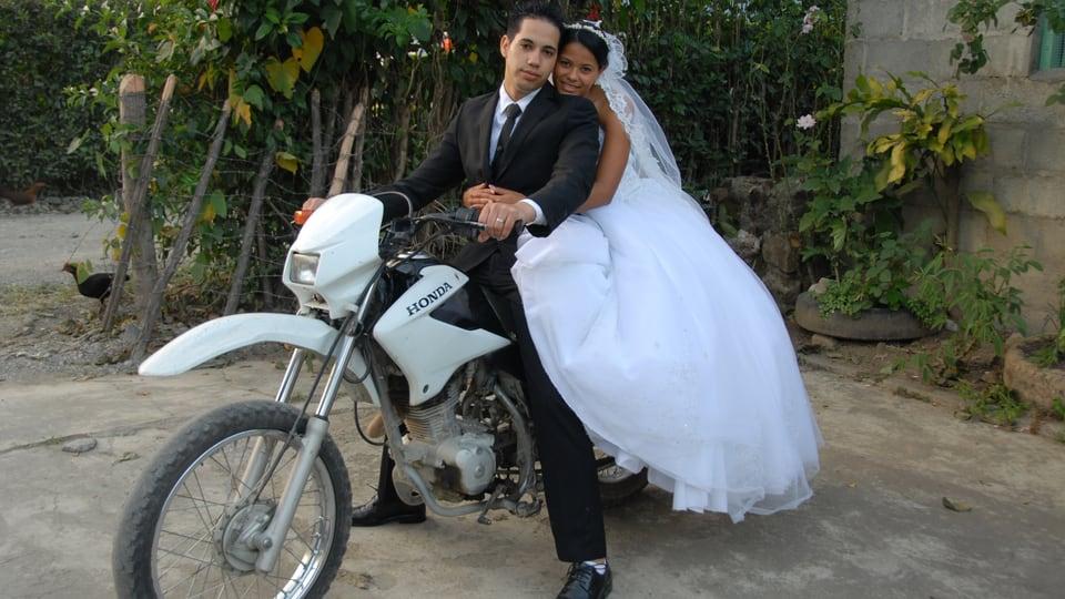 Samuel Feierabend und Daira an ihrem Hochzeitstag.